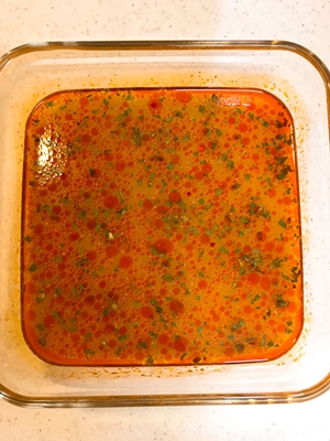 耐熱皿に150mlの水を入れてよく混ぜる
