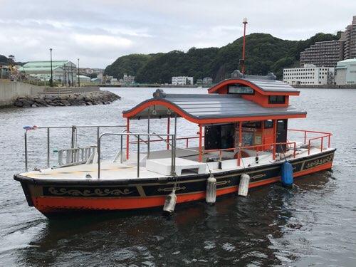 東叶神社と西叶神社を結ぶ浦賀の渡し(ポンポン船)