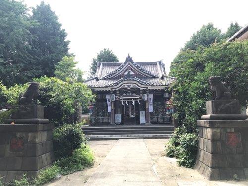 若宮八幡宮の狛犬と拝殿